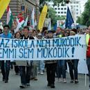 Tüntető tanárok