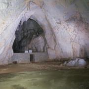 A mézgedi cseppkőbarlang
