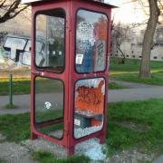 Szegény telefonfülke