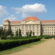 Az egyetem főépülete