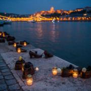 Cipők a Duna-parton  Fotó: Balogh Zoltán MTI-MTVA