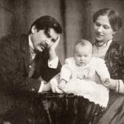 Móricz Zsigmond és Holics Janka, gyermekükkel