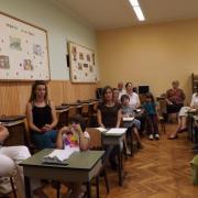 Szülők és gyerekek a tanteremben