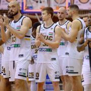 Az ország negyedik legjobb csapata - egyelőre  Fotó: Derencsényi István