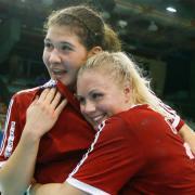 Tóvizi Petra és Szabó Panna öröme egy korábbi meccsen  Fotó: dvsckezilabda.hu