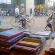 Könyvek a Fórum előtt