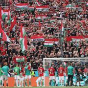 A magyarok állva maradtak