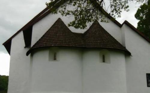 A tornaszentandrási ikerszentélyes református templom