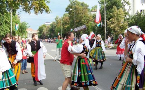 A lengyelek a nézőket is megforgatták