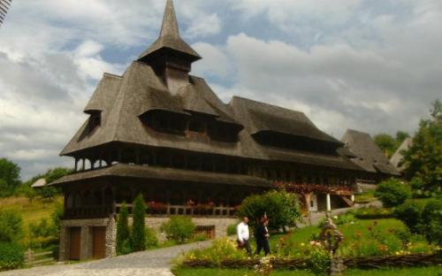 Szemet gyönyörködtető kolostor