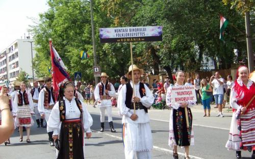 Román folklóregyüttes