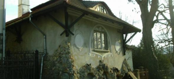 Lakatlan művészház